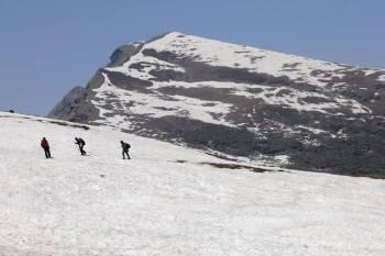 Chandrakhani Pass Winter Trek Tour