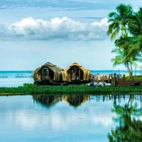 Kerala Package with Houseboat Tour