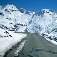 Rohtang Pass (3900 mts)