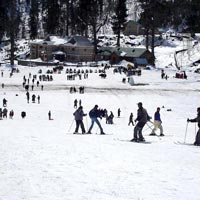 Skiing at Solang Valley
