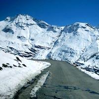 Rohtang Pass, Manali (3900 meters)