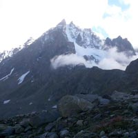 Hapmta Pass > view from Shigoru Campsite