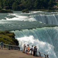 City Break Niagara Falls Getaway Tour