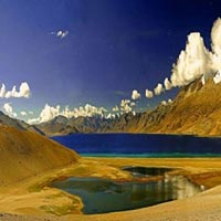 Lakes and Passes with Nubra Valley Tour