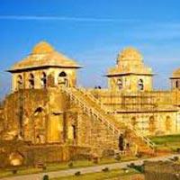 3 Days Mandu Tour Package (Monsoon Special)