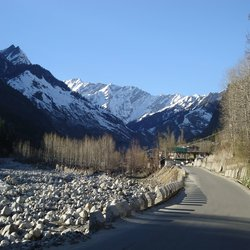 Delhi + Manali + Manali + Delhi Honeymoon Package