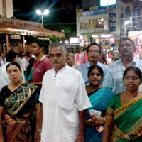 Devotees in front of Sree Chavadi