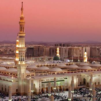 Umrah – Deluxe Tour 15 Days
