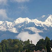 Pelling - Darjeeling (7100 ft.) (Approx - 120 Kms 4 hrs).