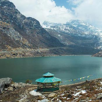 Darjeeling - Gangtok - Pelling - Lachung - Yumthang Valley (10 Days / 9 Nights) Group Package