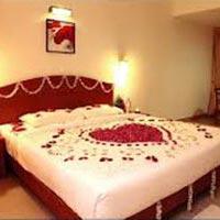 Honeymoon Houseboat Package