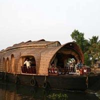 Munnar - Alappuzha Houseboat (3N/4D) Tour