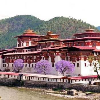 EXPLORE BHUTAN 6 NIGHTS / 7 DAYS TOUR