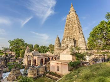 Lucknow Benaras Kasi Sarnath Tour Package