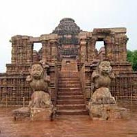 Bhubaneswar - Puri - Satapada - Pipli Tour
