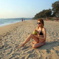 relax on goa beach