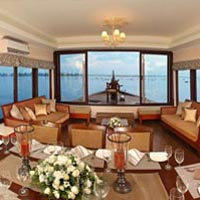 Corporate Houseboat Tour