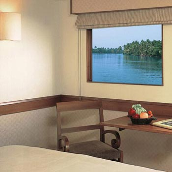 Luxury Cruise in Kerala – God's Own Country Tour