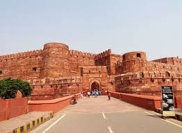 Weekend Breaks -agra & Sikri Tour
