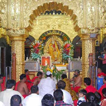 Shirdi Darshan from Nashik Tour