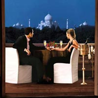 Private view of Taj with hotel Oberoi Amarvilas Tour