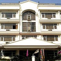 Haridwar tour with stay in Hotel Le Grand.