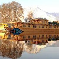 Kashmir Houseboat Tour Package ( 3 Nights / 4 Days )