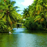 Beautiful Kerala Tour With Houseboat 3*