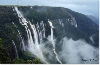 1 NIGHT 2 DAYS CHERRAPUNJEE & KRANG SHURI TOUR