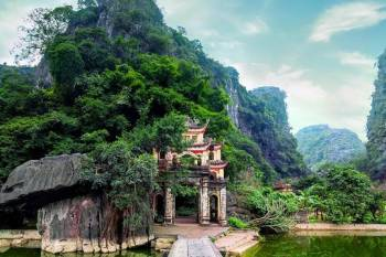 4 DAYS GOLDEN BRIDGE BA NA HILLS - DA NANG - HOI AN