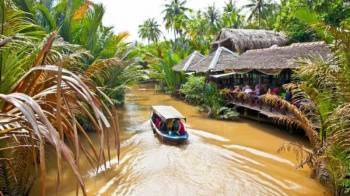 6 Days Tour to Ho Chi Minh City & Mui Ne Beach and Giant Sand Dunes