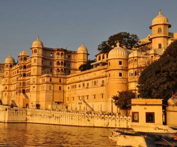 Ahemdabaad-udaipur -chittorgarh-jaipur- Jodhpur -mount Abu Tour