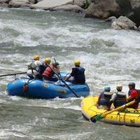 RIVER RAFTEING AT MANALI
