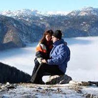 Manali By Volvo (Honeymoon Special) Tour