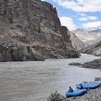 Explore Ladakh and Srinagar Tour