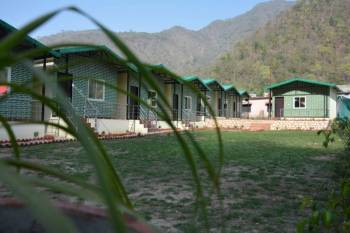 Mountain Cottage (1 Night Stay with Rafting 26 Kms) Trip