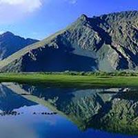 Beauty Of Pangong And Nubra Tour