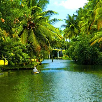 Munnar and Alleppey 3 Star Package for 4 days