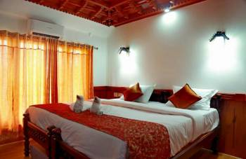 5 Nights 6 Days Kerala Honeymoon Package