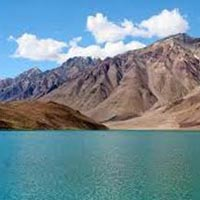 Chandratal Baralacha Trek Tour