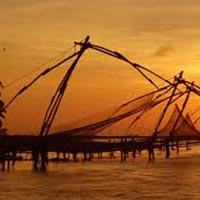 Munnar, Thekkady and Alleppey 3 Star Package for 5 Days with Houseboat