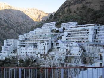 Jammu Katra Maa Vaishno Devi Patnitop Pahalgam Srinagar Sonmarg Gulmarg Tour Package