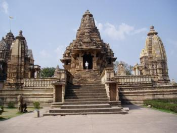 All Rajasthan Deluxe Tour - Orchha - Khajuraho - National Park Safari - Varanasi - Lucknow - Agra
