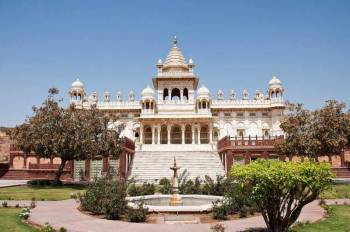 All Rajasthan Standard Tour - Orchha - Khajuraho - National Park Safari - Varanasi - Lucknow - Agra