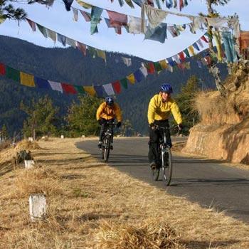 Mountain Biking Tours in Bhutan (17 nights/18 days)