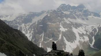 Borasu Pass Trek Tour 11 Days