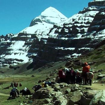 Kailash & Mansarovar Tour (08 N 09 Days) Using Helicopter