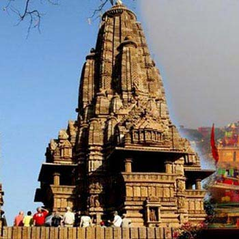Golden Triangle Tour with Khajuraho and Varanasi