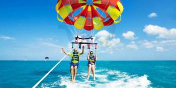 Catamaran Experience to Ile aux Cerfs: including Parasailing, Lunch, GRSE & Transfer Tour