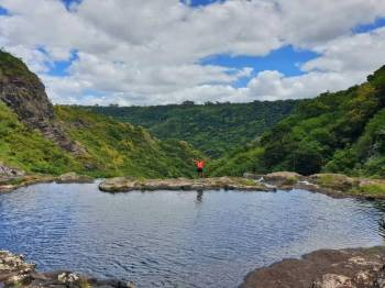 Hiking Trip Full-day: the Magnificent 7 Waterfalls Sept Cascades, Tamarind Falls Tour